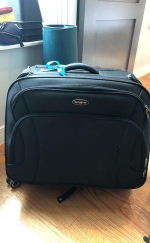 Suitcase (samsonite) for Sale in New York, NY