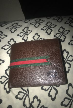 85b3d10e491 New and Used Gucci wallet for Sale in Marysville