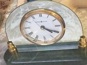 Howard Miller clock jade green marble model 645-233 for Sale in Fort Belvoir, VA