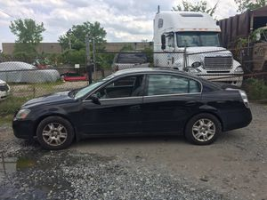2005 Nissan Altima 2.5 200k Hwy Miles runs and drives!!!! for Sale in Fort Washington, MD