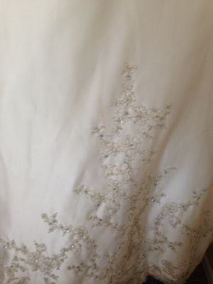Size 12 wedding dress for Sale in Baltimore, MD