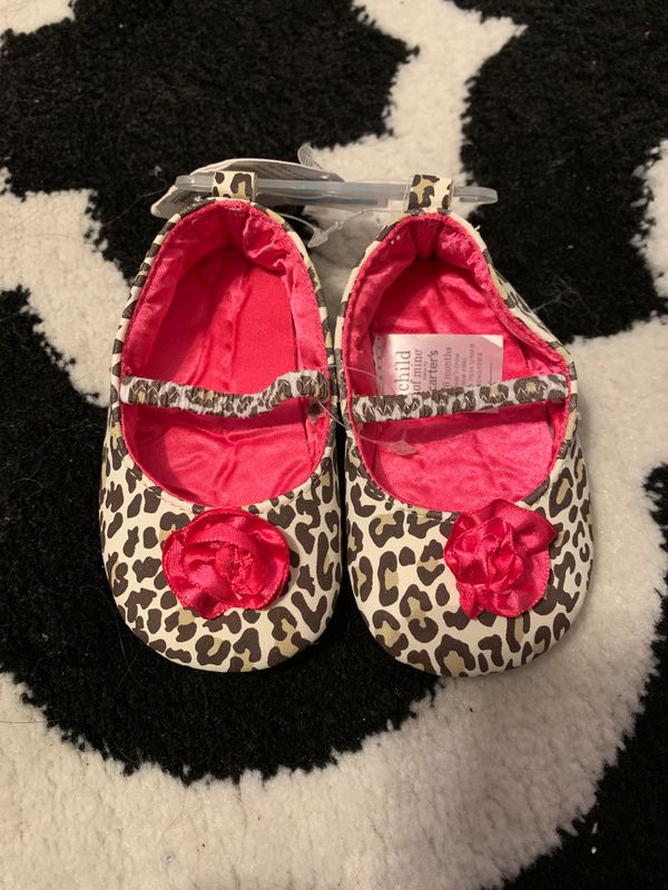 40dcfb535b6 Carters Baby Girl Shoe size 3-6 months for Sale in Yaphank