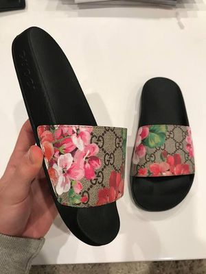a1dcfc02ef9b GUCCI SANDALS SLIDES for Sale in Miami