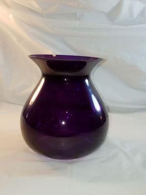 Little purple vase for Sale in Philadelphia, PA