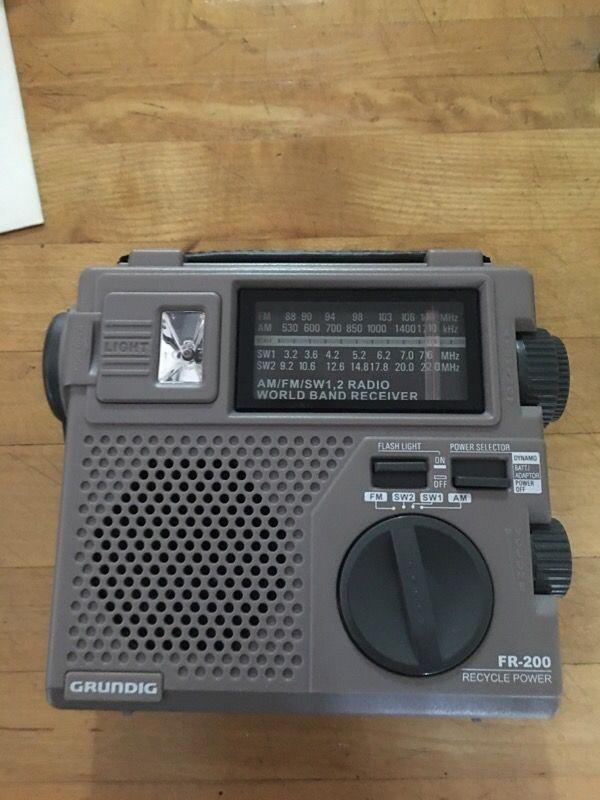 Brand new Grundig fr200 am/fm shortwave radio plus camo bag for Sale in  Brooklyn, NY - OfferUp