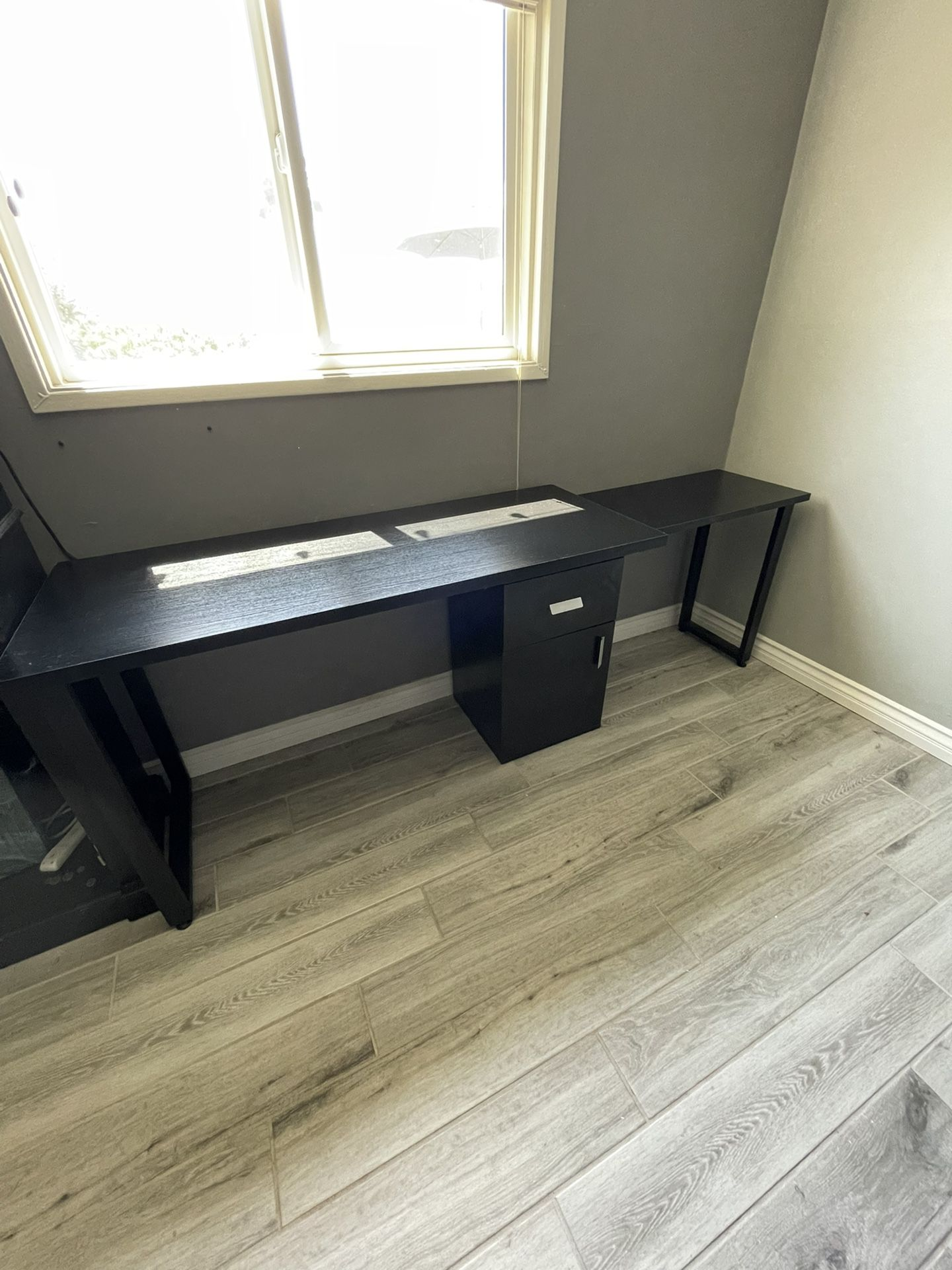 Modular Desk And Rolling Chair