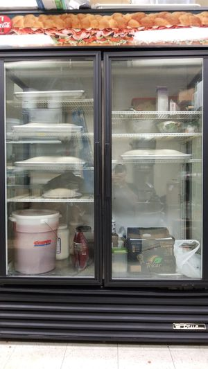 Commercial True cooler 4 section glass for Sale in Seattle, WA