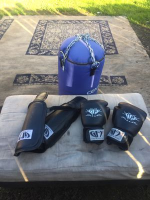 Punching bag gloves for Sale in Oakland, CA