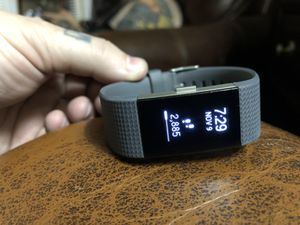 Fitbit Charge 2 w/ 6 bands for Sale in Leesburg, VA