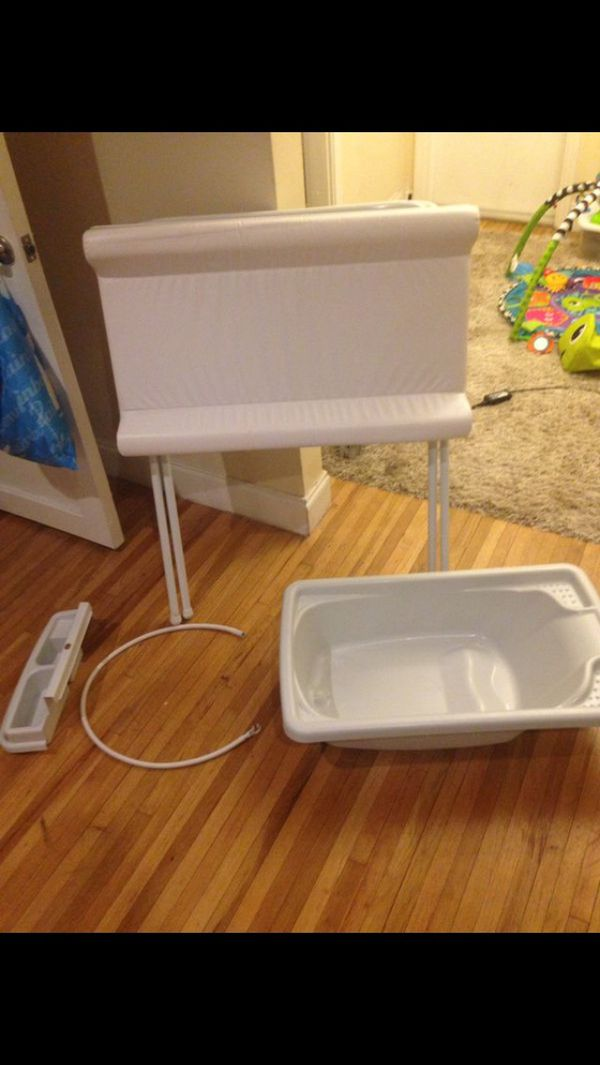 Stand up changing table and baby bath for Sale in Miami Beach, FL ...