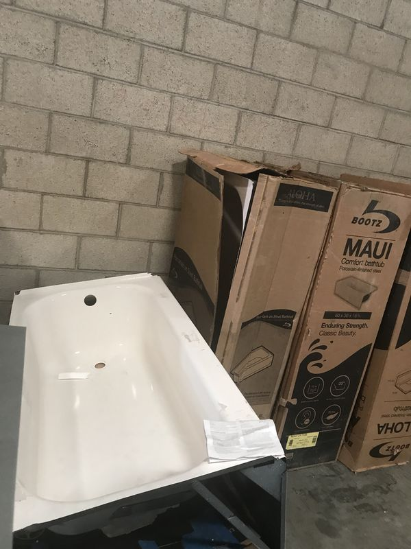 Bath Tub - 60 x 30 - Bootz for Sale in El Monte, CA - OfferUp