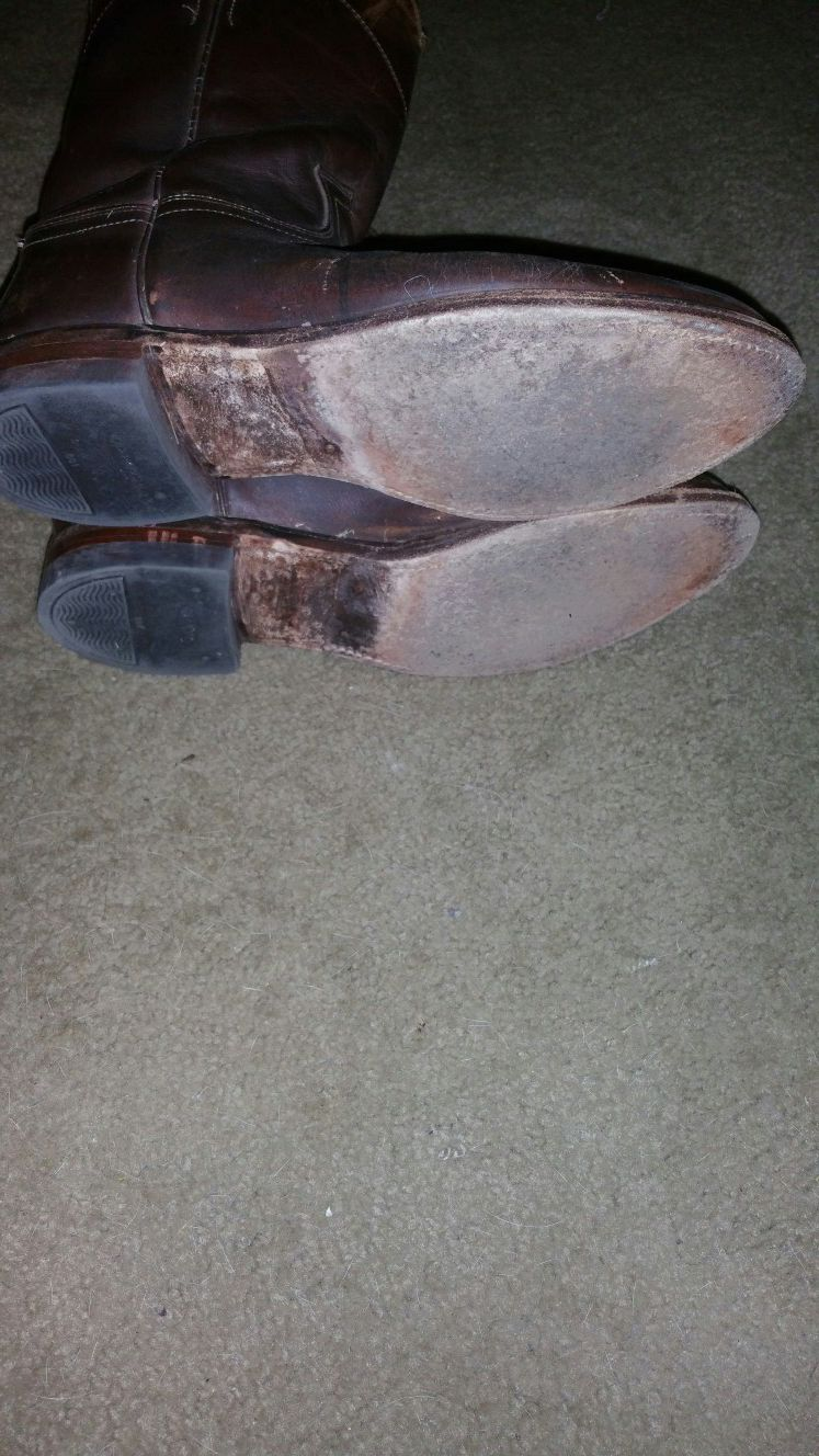 Justin cowboy boots size 9
