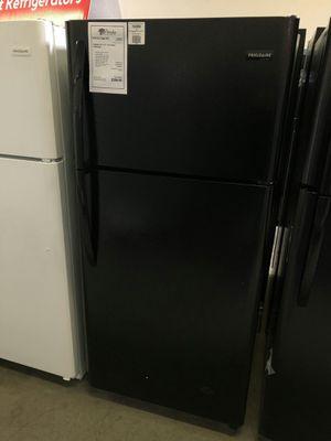 Photo New Frigidaire Black 18 CuFt Top Freezer Refrigerator 1 Year Manufacturer Warranty Included