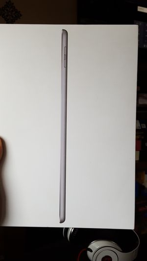IPad 6th Gen for Sale in Des Moines, WA