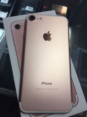 iPhone 7 unlocked 32GB rose gold clean for Sale in Alexandria, VA