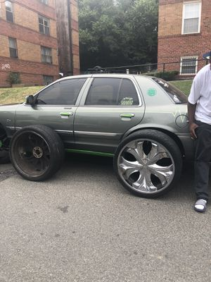 Trading my 26inch rims 5lug universal for 24inch for Sale in Oxon Hill, MD