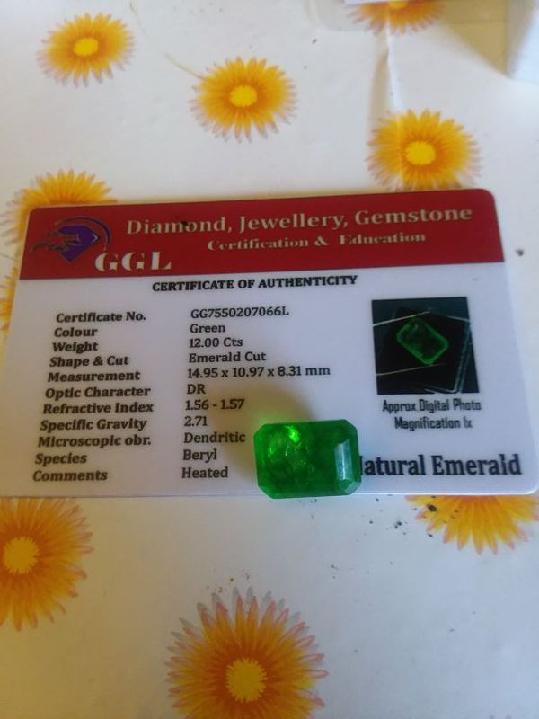 Real genuine 12ct natural earth mind emerald!!!! for Sale in Mendon, IL -  OfferUp
