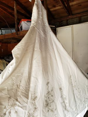 Wedding dresses in Atwater