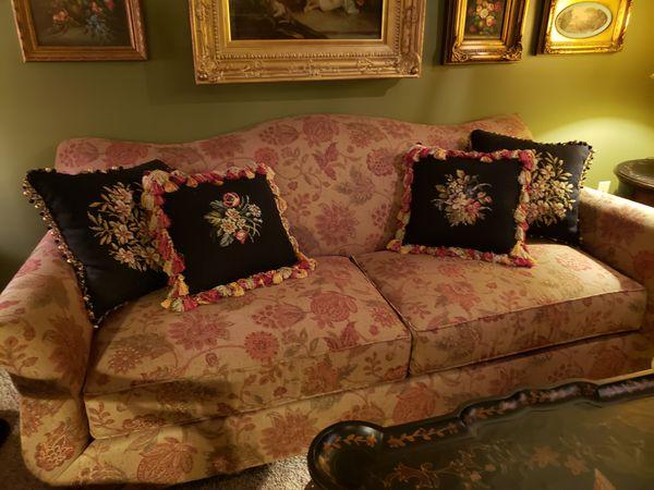 Flexsteel Mueller Furniture Floral Sofa For Sale In Belleville Il