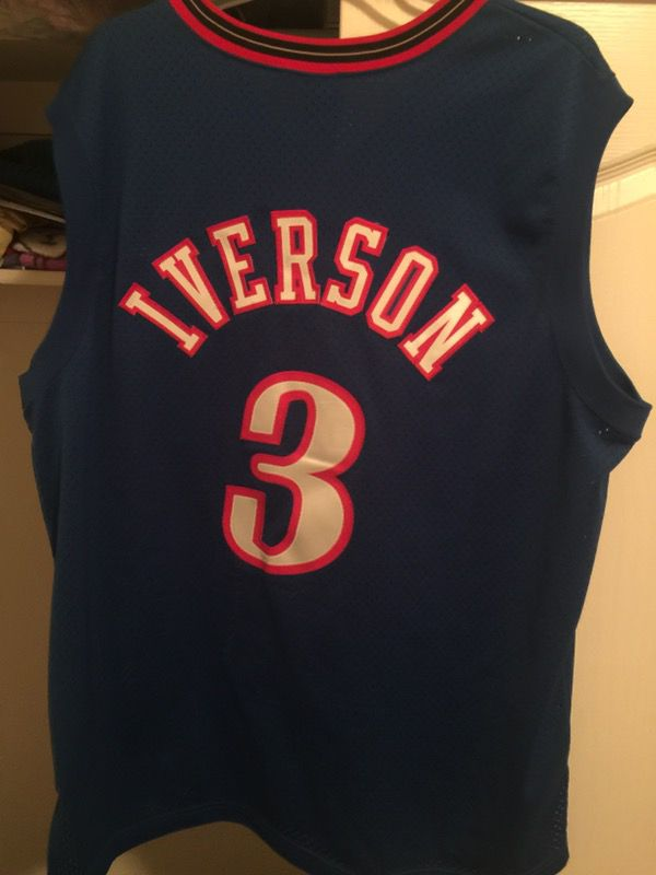 12f9698a39d Allen iverson nike XL jersey for Sale in Turlock