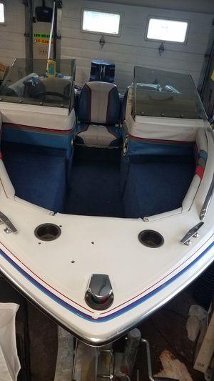 Photo 1987 Bayliner Capri 1400 bow rider fishing boat