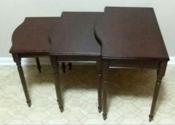 Bombay Furniture Nesting Tables Excellent Condition For Sale