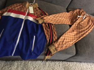 Gucci outfit 300$ new never used for Sale in Lincolnia, VA