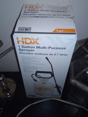 1 gallon muti purpose sprayer for Sale in Crownsville, MD