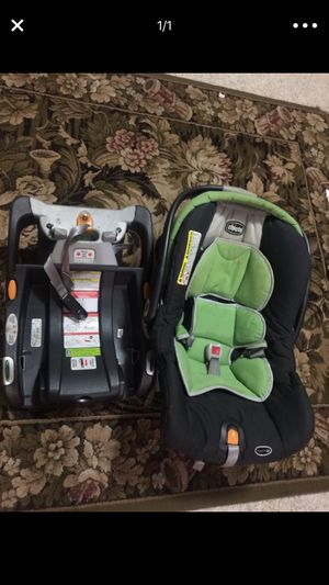 Chicco Infant Car seat with Base for Sale in Fairfax, VA