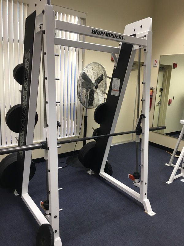 Smith Machine by Body Masters for Sale in Deerfield Beach, FL - OfferUp