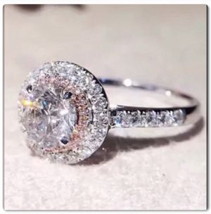 Exquisite Princess Cut White Pink Ring for Sale in El Cajon, CA