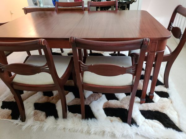 Chippendales Dining Room Table With 6 Chairs Plus 3 Leaves