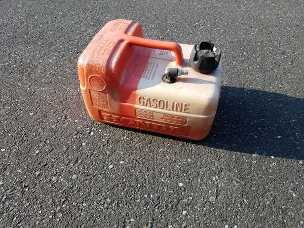Honda outboard fuel tank for Sale in Mount Vernon, WA - OfferUp