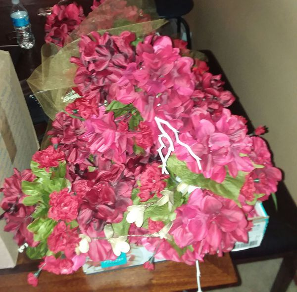 Red Silk Flowers 4 Tall Vases For Sale In Seattle Wa Offerup
