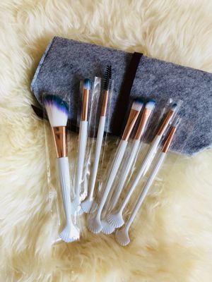 Mermaid Makeup Brushes Set With Felt Bag for Sale in Silver Spring, MD