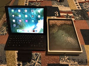 "iPad Pro 12.9"" 2nd Generation 256GB Verizon Wireless for Sale in Alexandria, VA"
