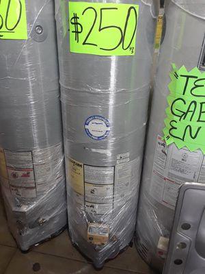 Water heater 40 galones 6 meses de garantía y también tengo for Sale in Vernon, CA