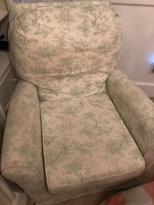 Baby glider with ottoman for Sale in Huntersville, NC