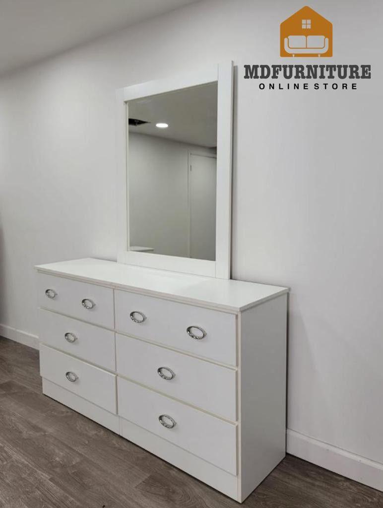 Comoda Con Espejo Y Gavetero... Dresser With Mirror And Chest
