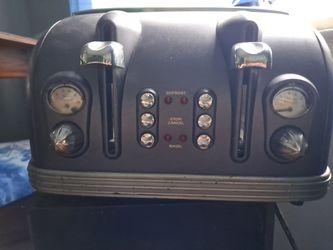 DēLonghi 4 slice toaster Thumbnail