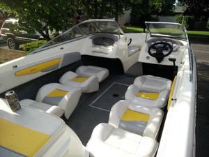 2005 Reinell 185 open bow Boat and Trailer Great Condition for Sale in Portland, OR