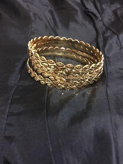 Bracelets Thumbnail