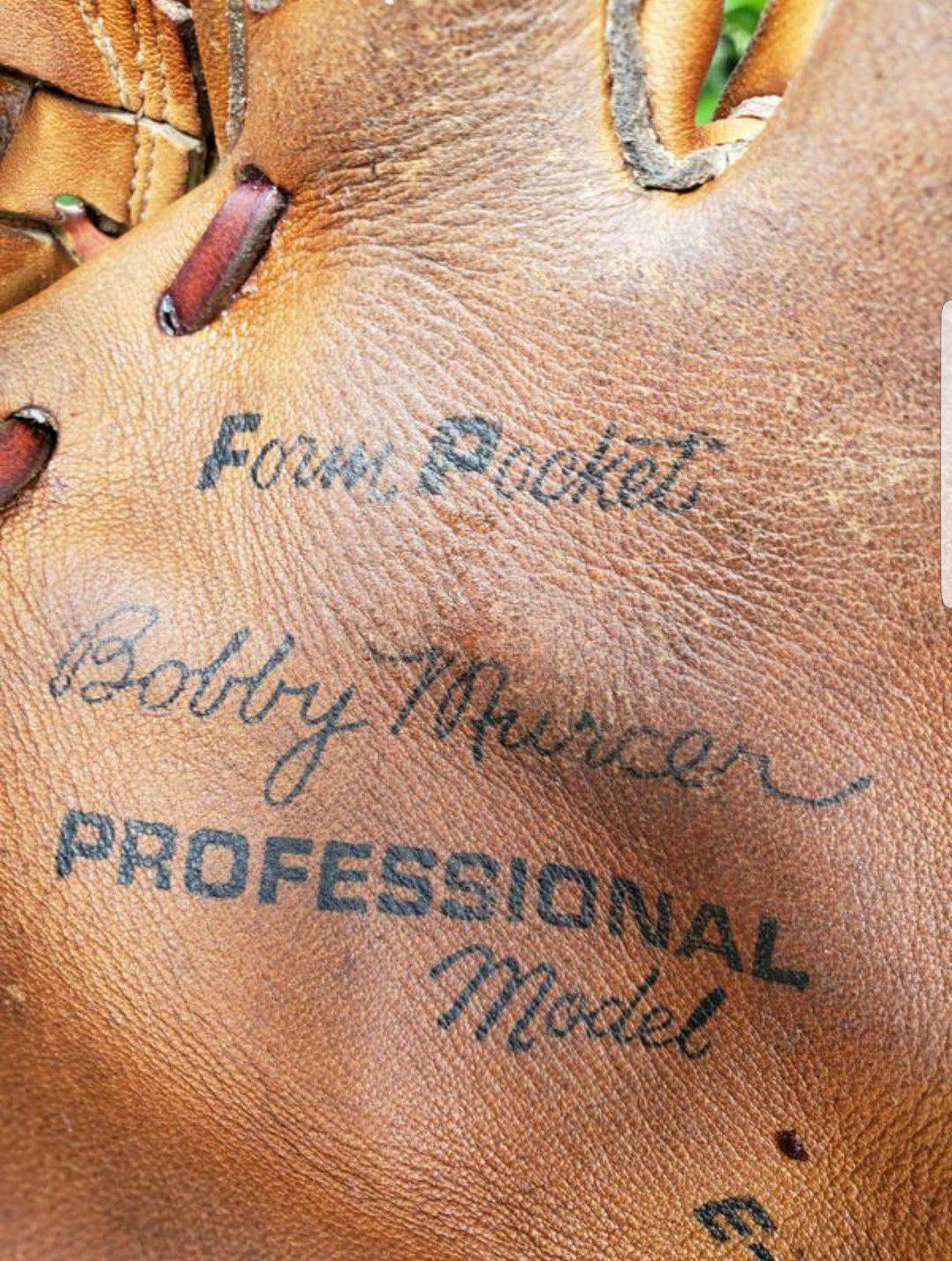 SPALDING BOBBY MURCER SIGNATURE BASEBALL GLOVE #42-3361 PROFESSIONAL MODEL