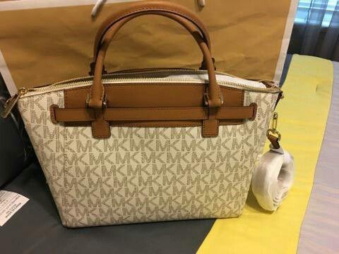 99e2241995 New Authentic Michael Kors Handbag Crossbody (Jewelry   Accessories) in  Bellflower