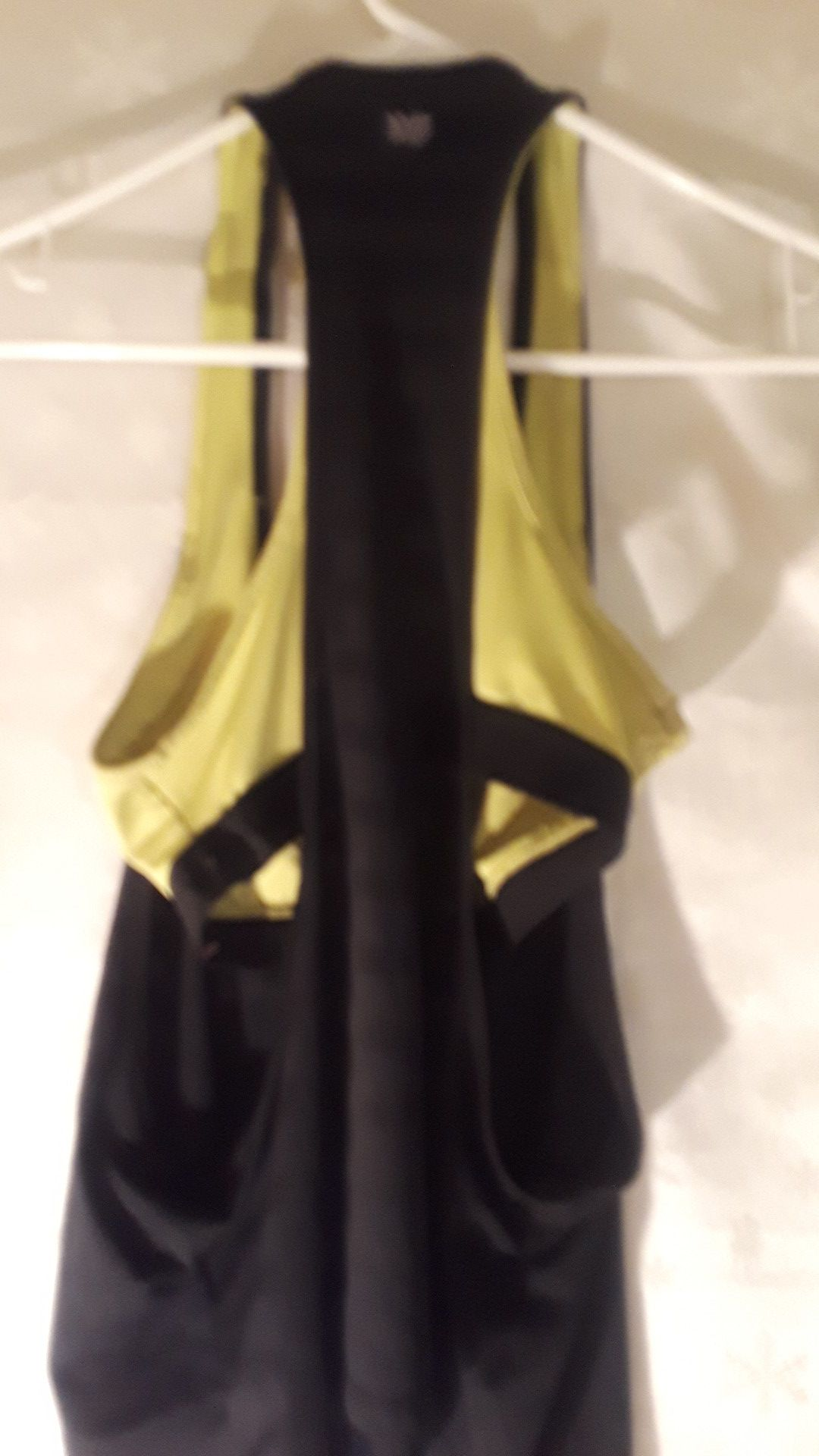 Workout top small $1