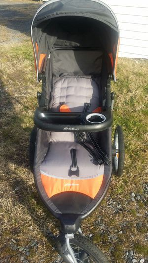 Eddie Bauer jogging stroller for Sale in Lynchburg, VA