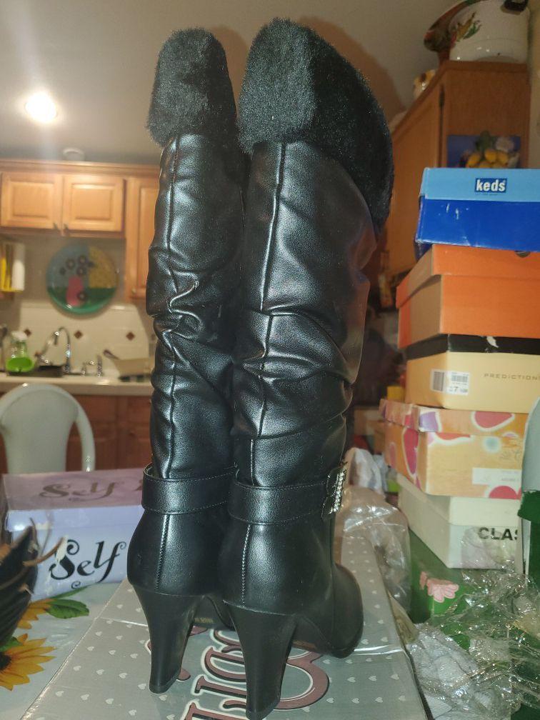 Black fur heel boot size 8.5
