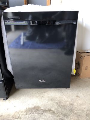Whirlpool Dishwasher WDT710PAYB8 for Sale in Gainesville, VA
