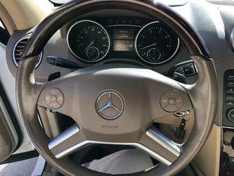 2010 Mercedes-Benz M-Class Thumbnail