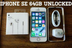 Silver Iphone SE UNLOCKED 64GB w/ Accessories for Sale in Arlington, VA